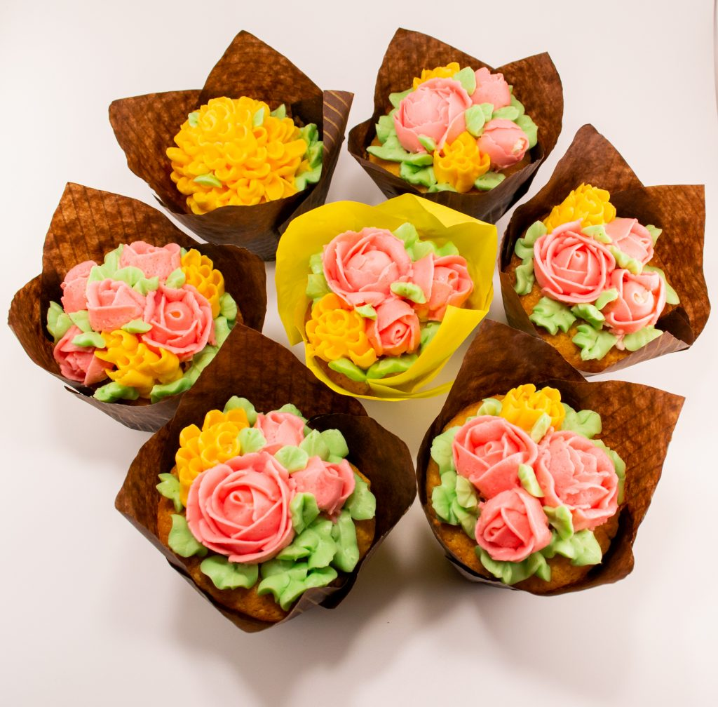Cupcake Decoration and Styling
