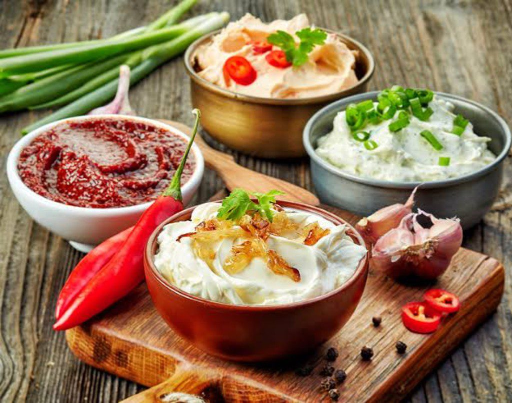 HEALTHY DIPS AND CRACKERS DIPS