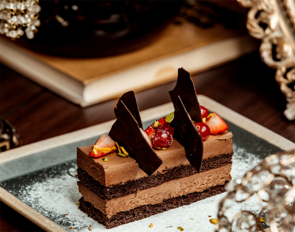 Chocolate garnish for cakes and dessert by Jessica (Online)