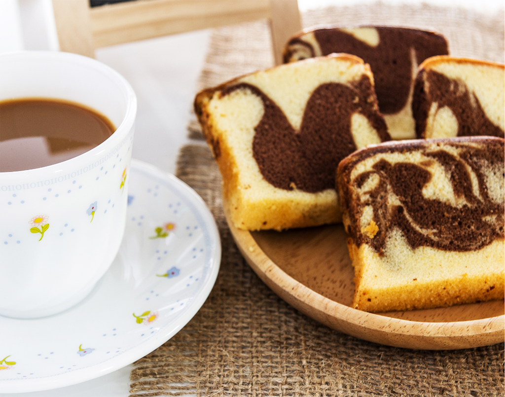 Festive high-tea cakes & travel cakes by manali Khandelwal (online class)