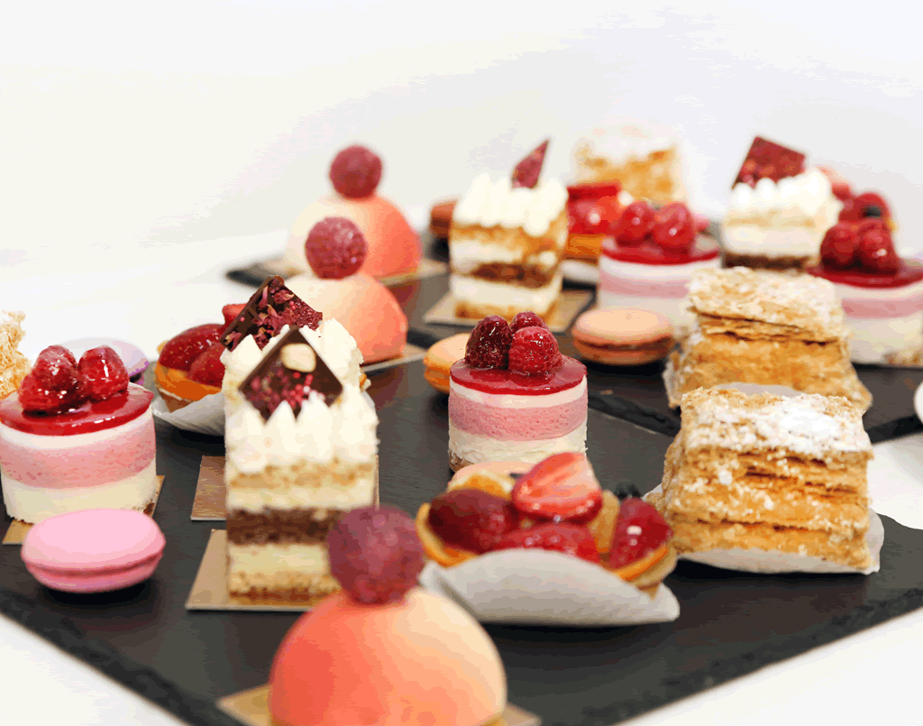 Gourmet Bite sized Desserts by Shania Dhairyawan (Online class)